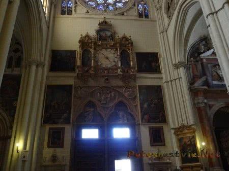 Очень красивое оформление интерьера собора в Толедо