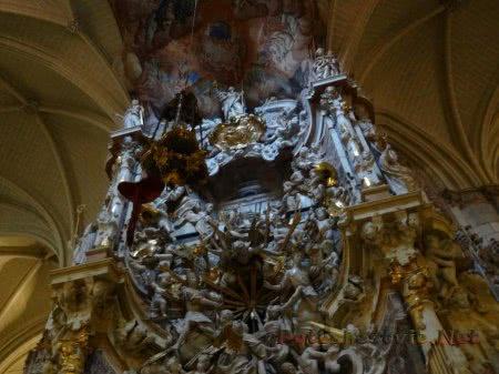 Украшение стен собора Толедо