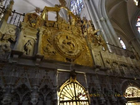 Шикарная лепнина на стенах толедского Собора Святой Марии