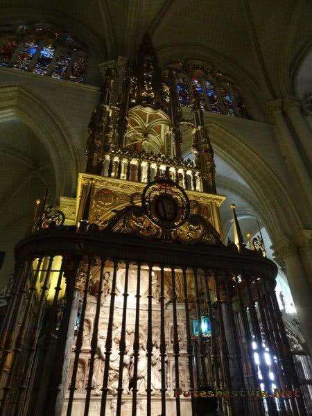 Величие интерьера толедского Кафедрального собора