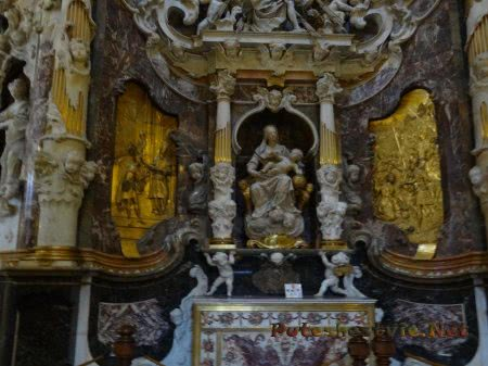 Декор интерьеров Собора Святой Марии