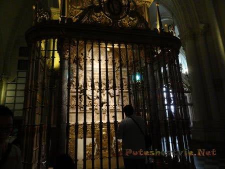 Оформление интерьера Собора Святой Марии