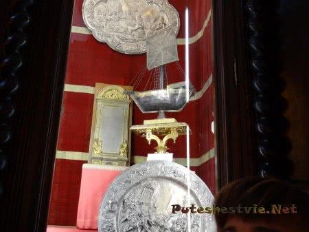 Предметы культа в музее собора Толедо