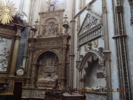 Саркофаги католических священников в толедском Соборе