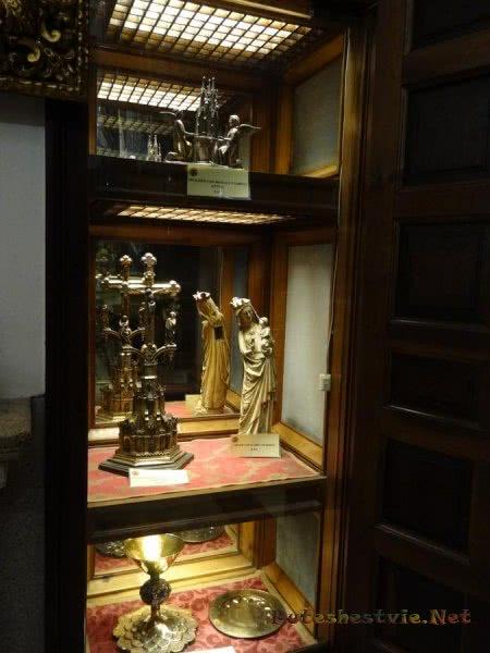 Предметы религиозного культа в музее толедского Собора