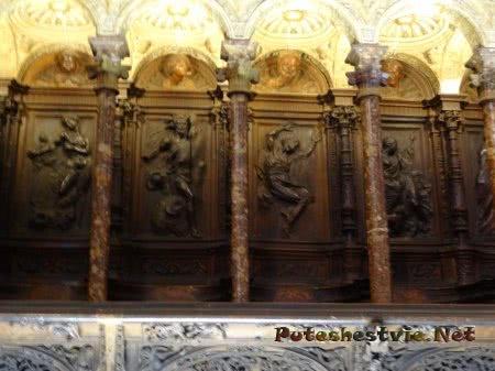 Деревянные резные панно в Соборе Святой Марии в Толедо