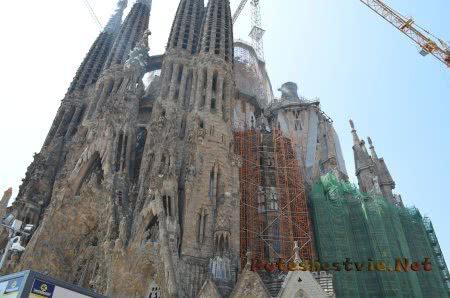 Главный долгострой Барселоны - Саграда Фамилия