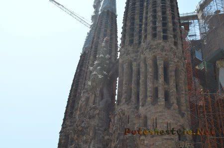 Одна из частей храма в Барселоне