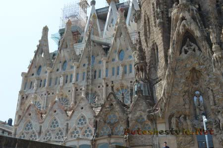 Саграда Фамилия - символ Барселоны