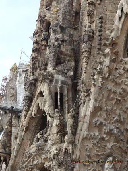 Величайшая фантазия Гауди - храм Саграда Фамилия