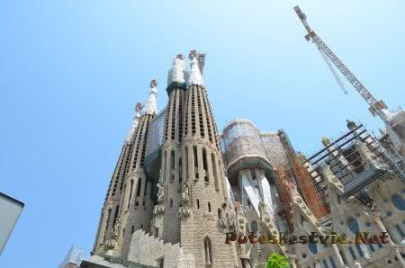 Величественность будущего Храма Барселоны