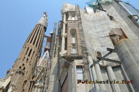 Стены храма пока без внешней отделки лепниной