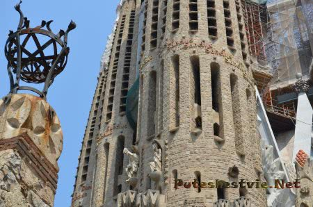 Изумительный архитектурный стиль Саграда Фамилия
