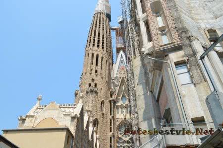 Корпус башни храма который скоро украсят
