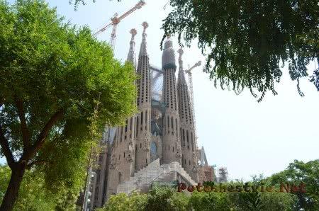 Высота храма в Барселоне