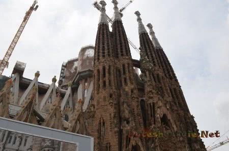 Очень необычная архитеткура храма Святого Семейства