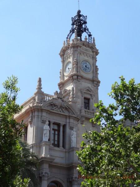 Часовая башня в Валенсии