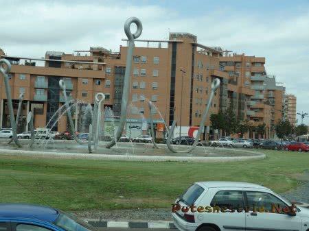 Интересный фонтан в Валенсии