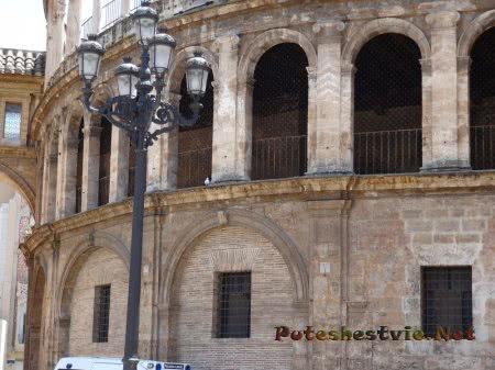 Религиозное сооружение в Валенсии