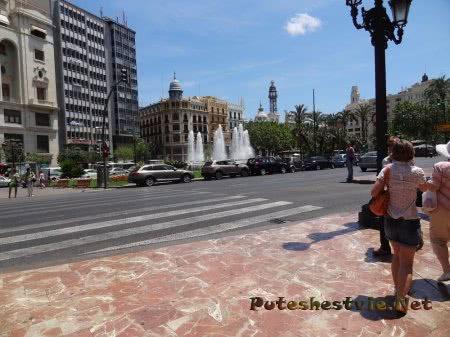 Плаза Айюнтаменто в Валенсии