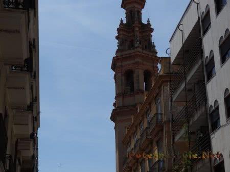 Старая колокольня испанской Валенсии