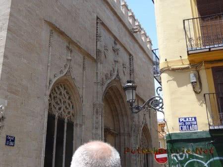 Узкие улочки Валенсии
