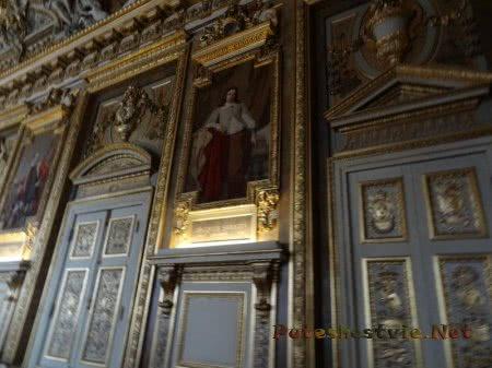 Пышность формления стен французского Лувра