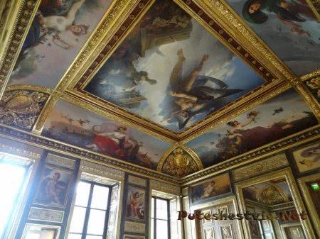 Роспись на потолке в зале Лувра