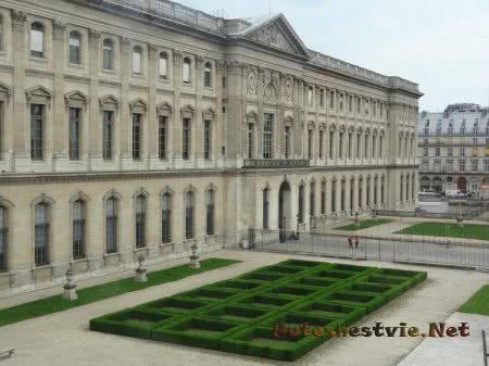 Скромный сад Лувра