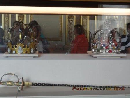 Короны французских королей в Лувре