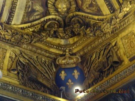 Филигранная резьба на потолках в Версале