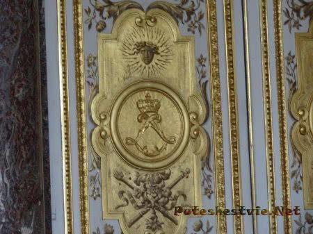 Декор стеновых панелей в Версале