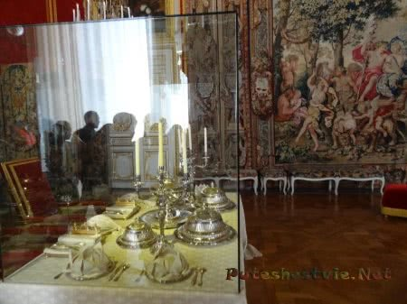 Посуда на Королевском столе