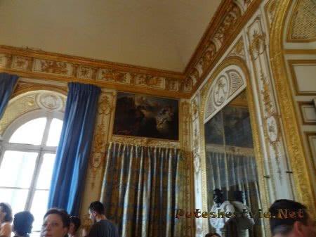 Оформление стен обеденной залы короля