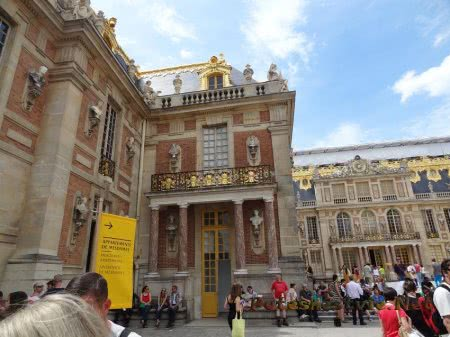 Вход в женские аппартаменты в Версале