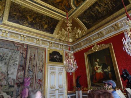 Очередная роскошная комната Версаля