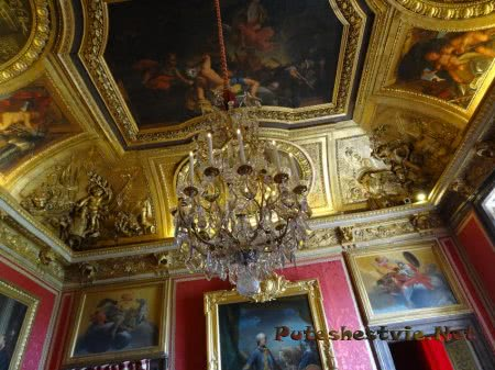 Изумительный потолок в Версале в спальне короля