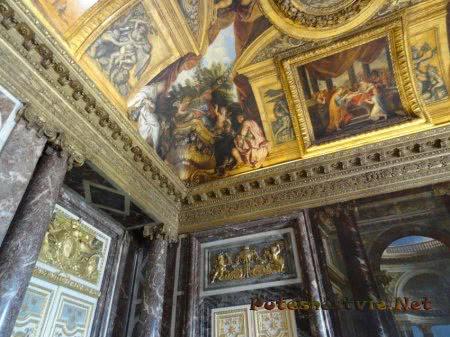 Произведения искусства на потолках залов Версаля