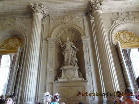 Роскошный интерьер залов Дворца в Версале