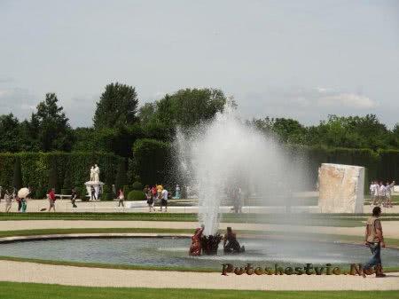 Маленький фонтан Версаля