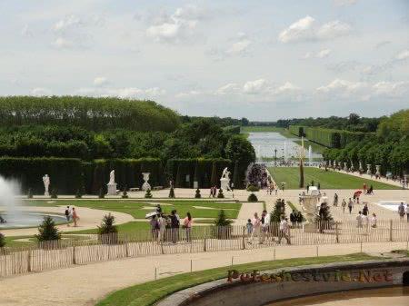 Огромная территория Версальских садов