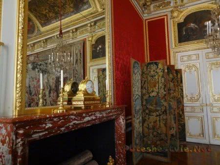 Интересный уголок Версаля во Франции