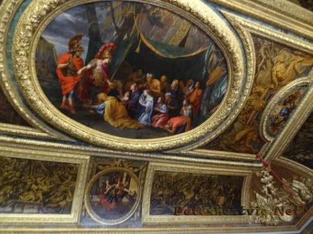 Образец росписи потолка во французском Дворце Версаль