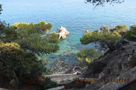 Восхитительный вид вниз на побережье в Ллорет-де-Мар