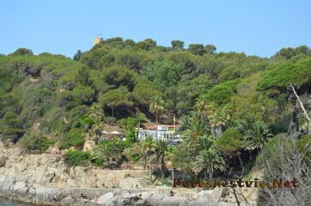 Зеленые берега испанского побережья Коста Брава