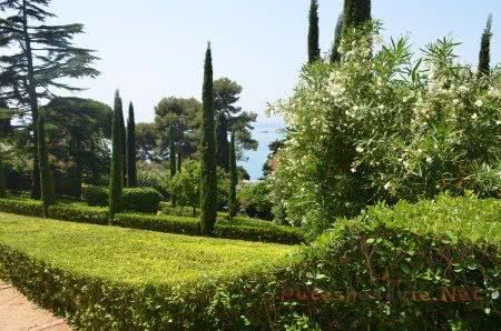 Прекрасный сад в Ллорет-де-Мар