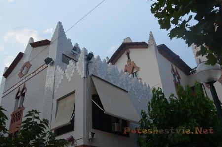 Интересный архитектурный стиль в Ллорет-де-Мар