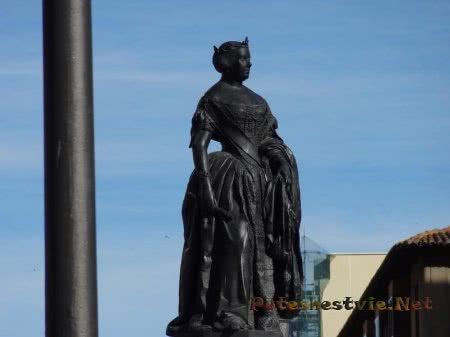 Скульптура одной из испанских королев