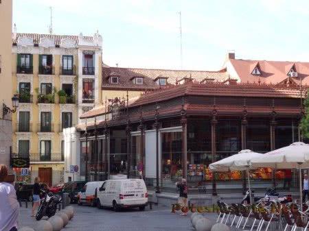 Здание мадридского рынка