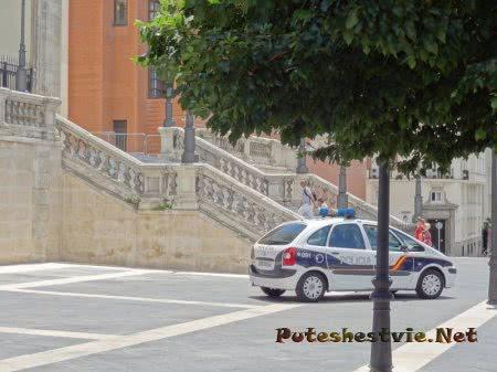 Автомобиль полиции Мадрида